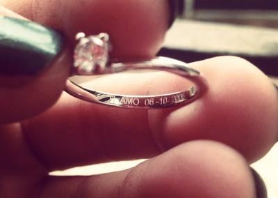 Anello solitario. / Engagement ring.