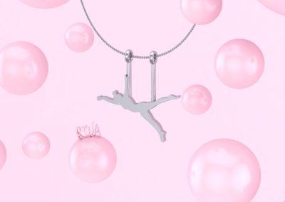 Pendente con acrobata. / Acrobat pendant.