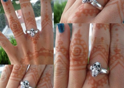 Solitario con teschio e cz bianco. / Engagement ring with skull and white cz.